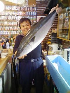 石川県から話題の寒ブリが届きました。